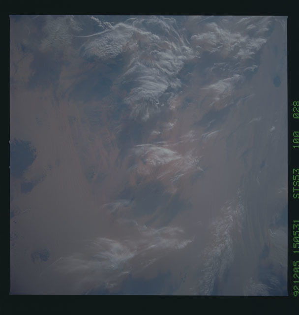 STS053-100-028 - STS-053 - Earth observations