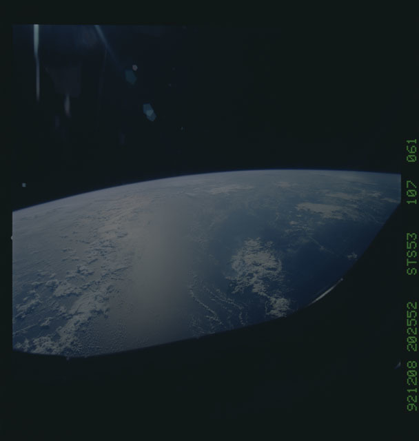 STS053-107-061 - STS-053 - Earth observations