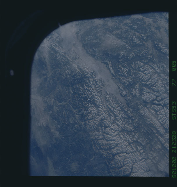 STS053-77-005 - STS-053 - Earth observations
