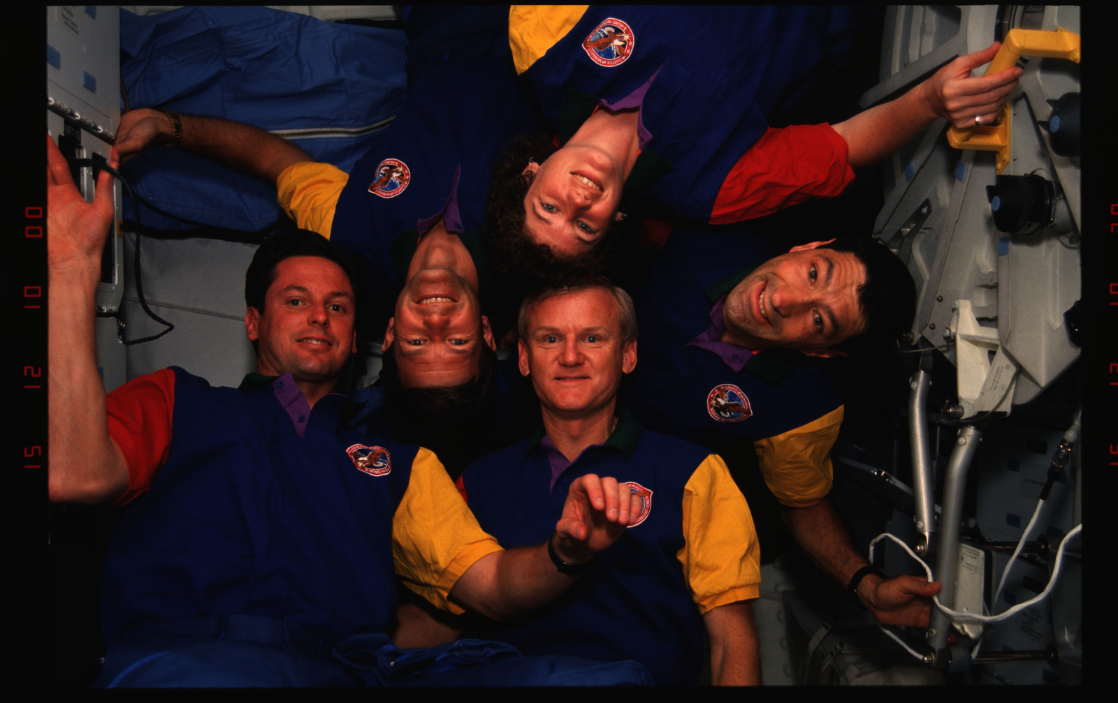 STS054-02-008 - STS-054 - In orbit crew group portraits.