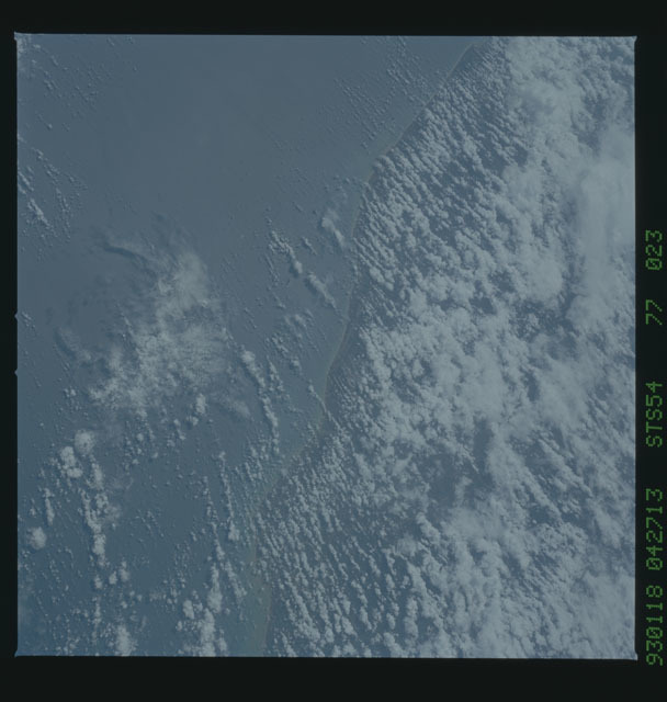 STS054-77-023 - STS-054 - Earth observations from Endeavour, Orbiter Vehicle (OV) 105, during STS-54