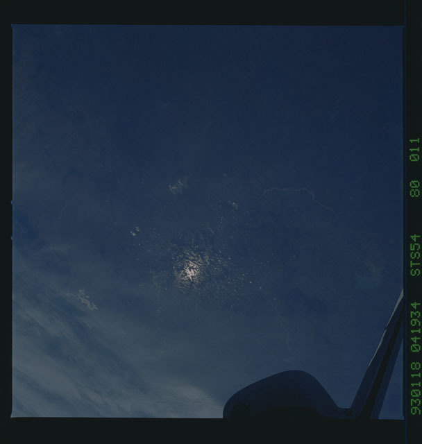 STS054-80-011 - STS-054 - Earth observations from Endeavour, Orbiter Vehicle (OV) 105, during STS-54