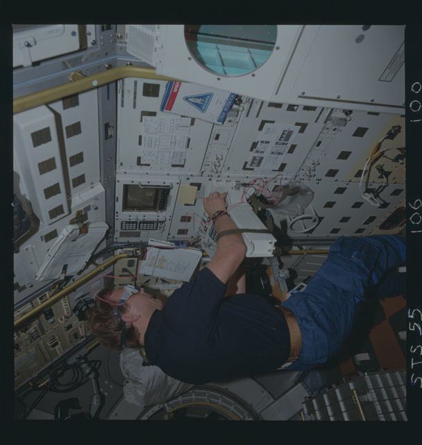 STS055-106-100 - STS-055 - Robotics Technology Experiment (ROTEX)