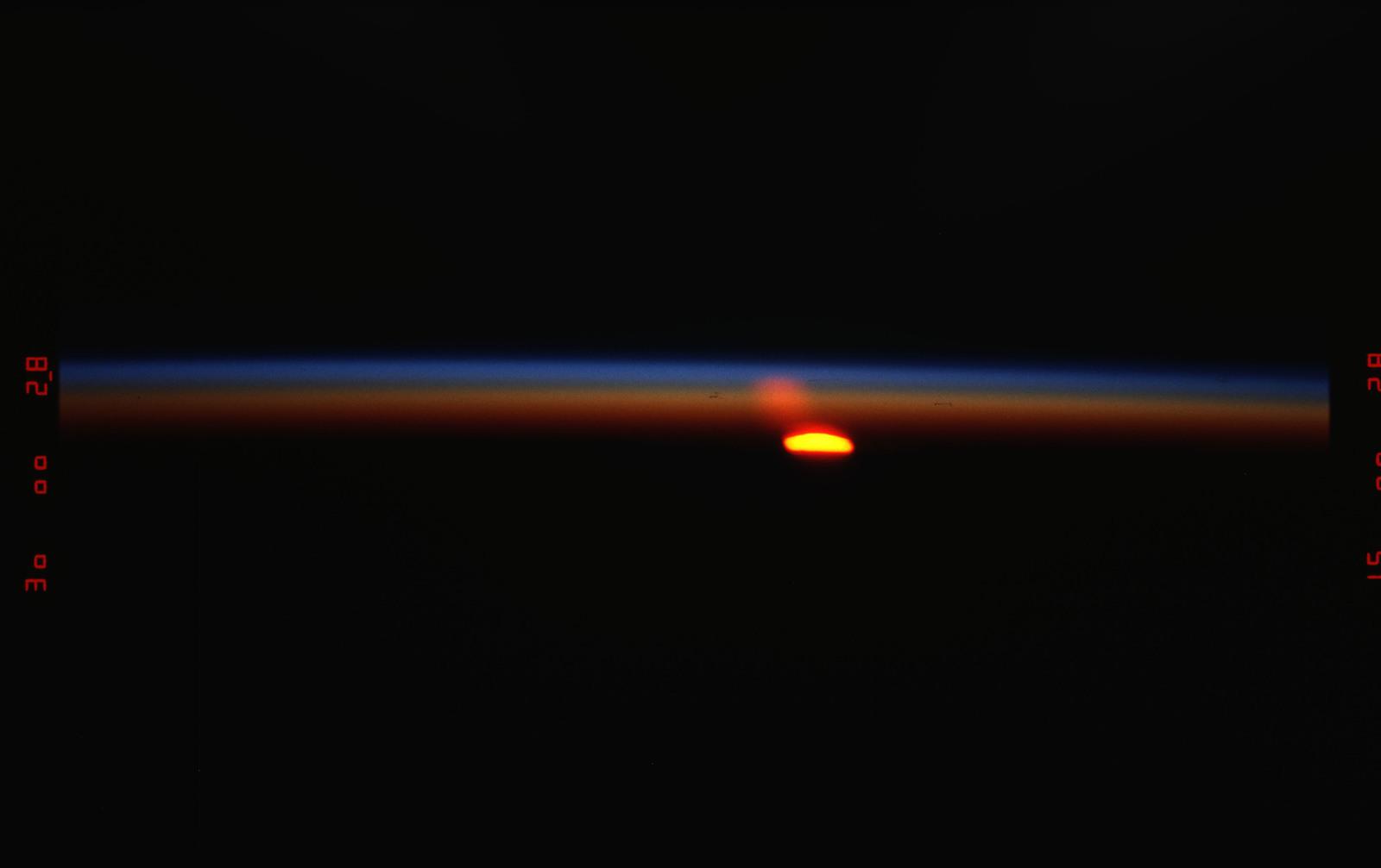 STS055-13-006 - STS-055 - Sunrise