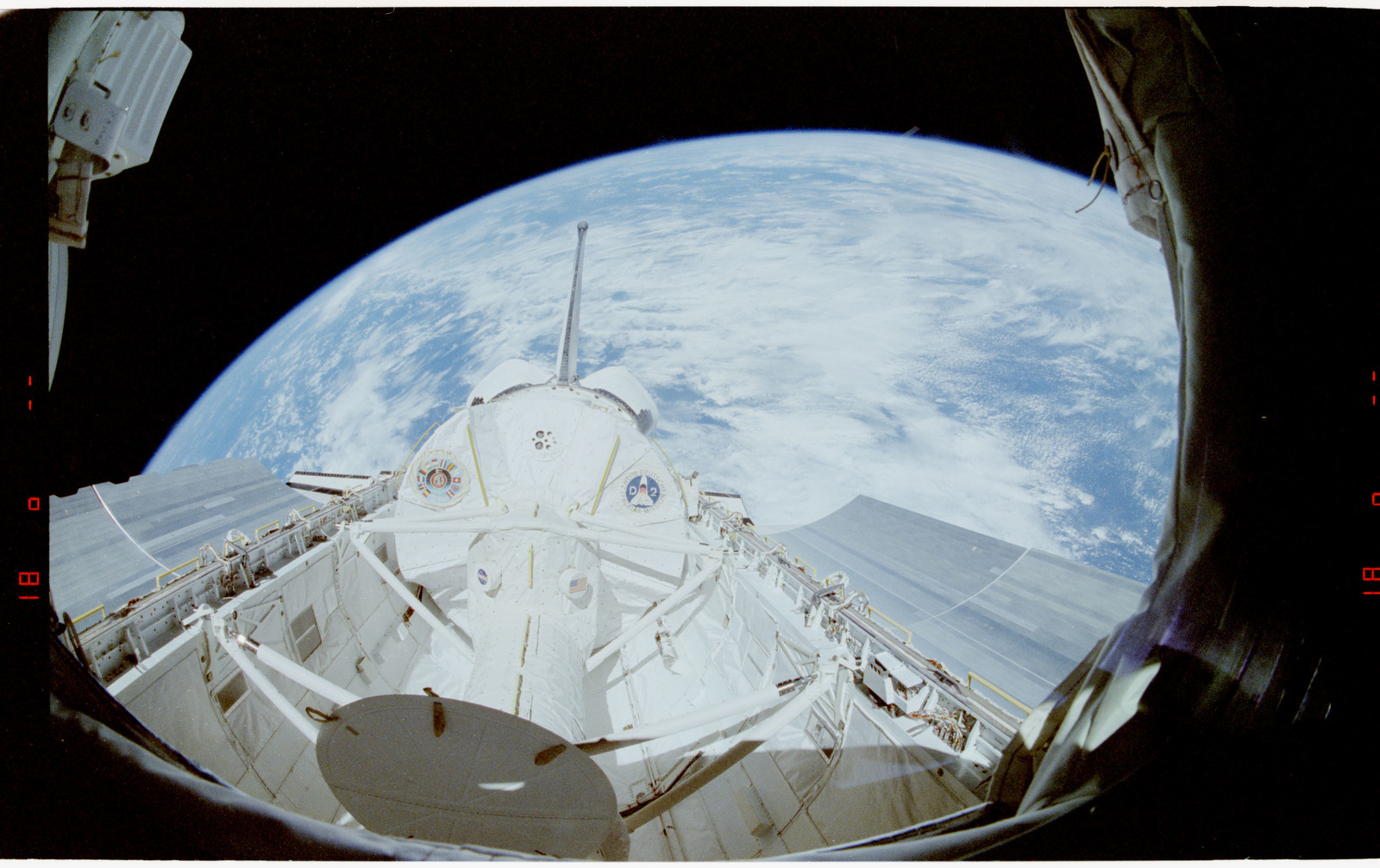 STS055-24-006 - STS-055 - Earth Limb, D-2 Spacelab and Payload Bay.