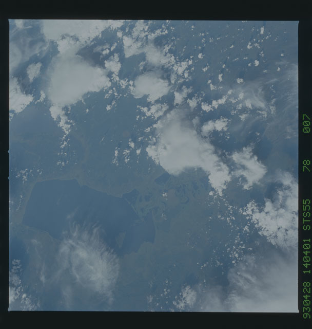 STS055-78-007 - STS-055 - Earth observations taken during STS-55 mission