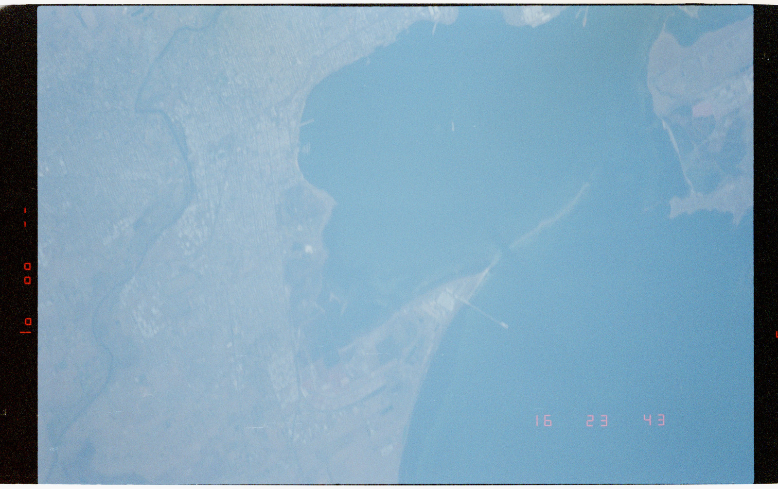 STS056-38-013 - STS-056 - Out of focus Earth observations views of Geelong and Corio Bay, Australia