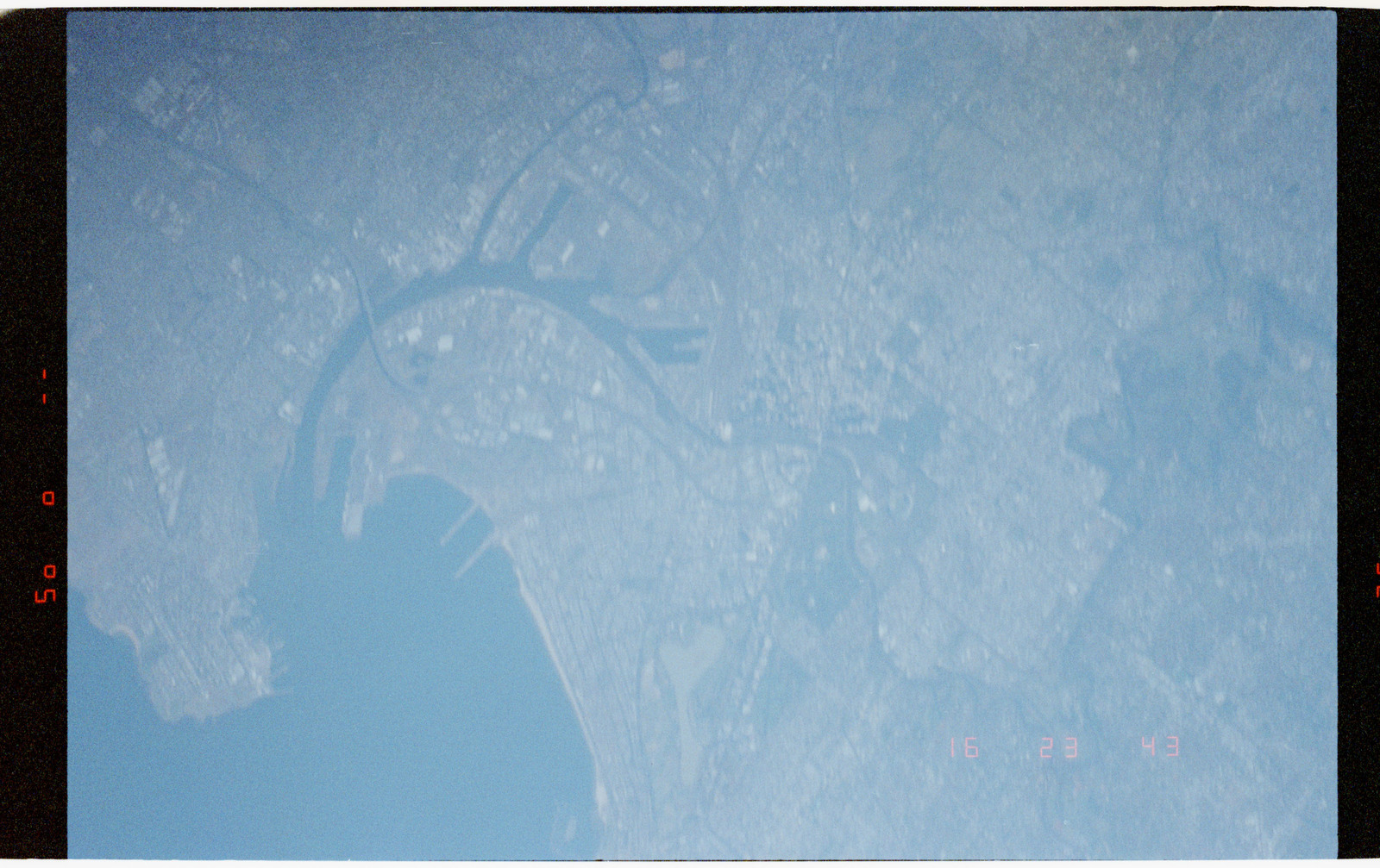 STS056-38-019 - STS-056 - Out of focus Earth observations views of Melbourne, Victoria, Australia