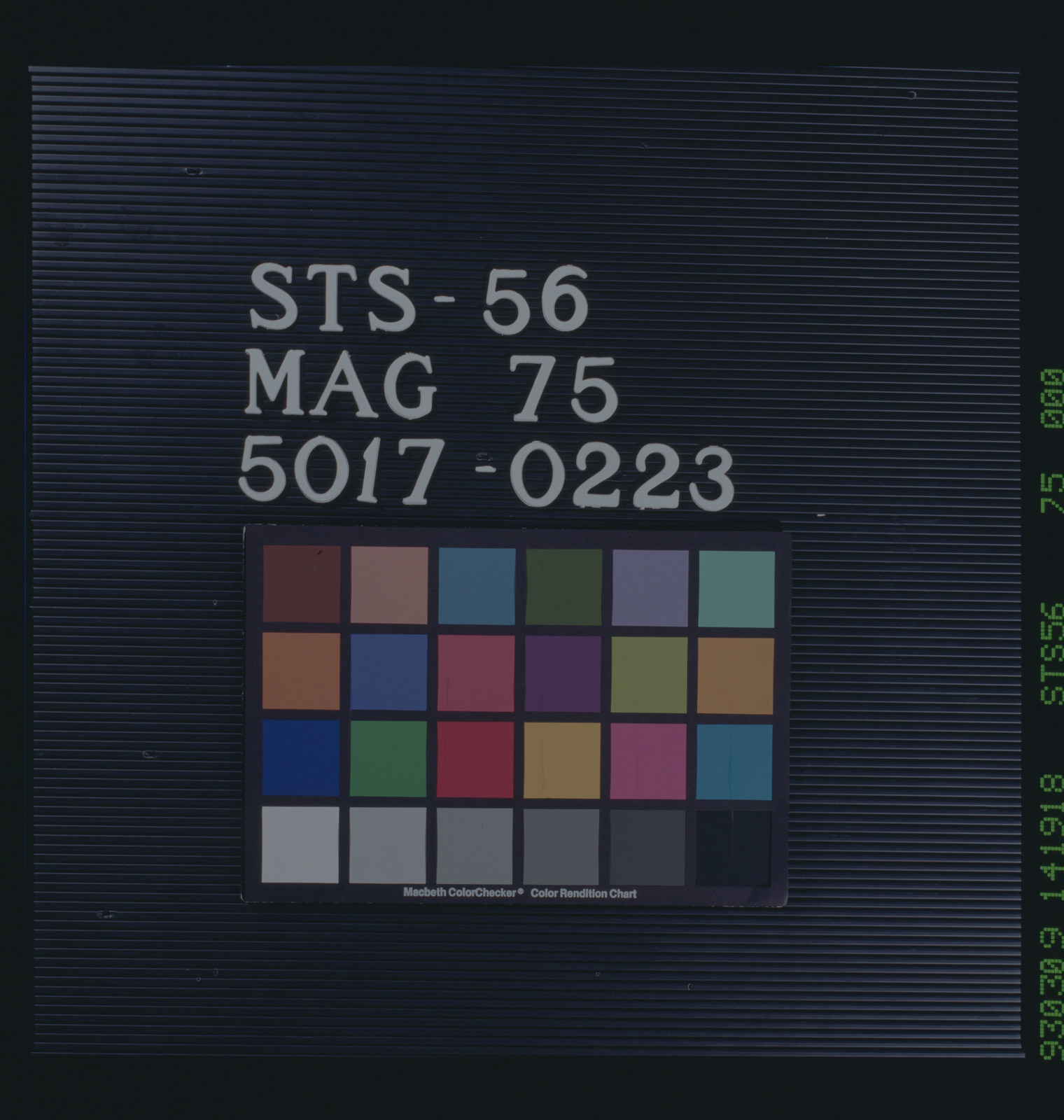 STS056-75-000 - STS-056