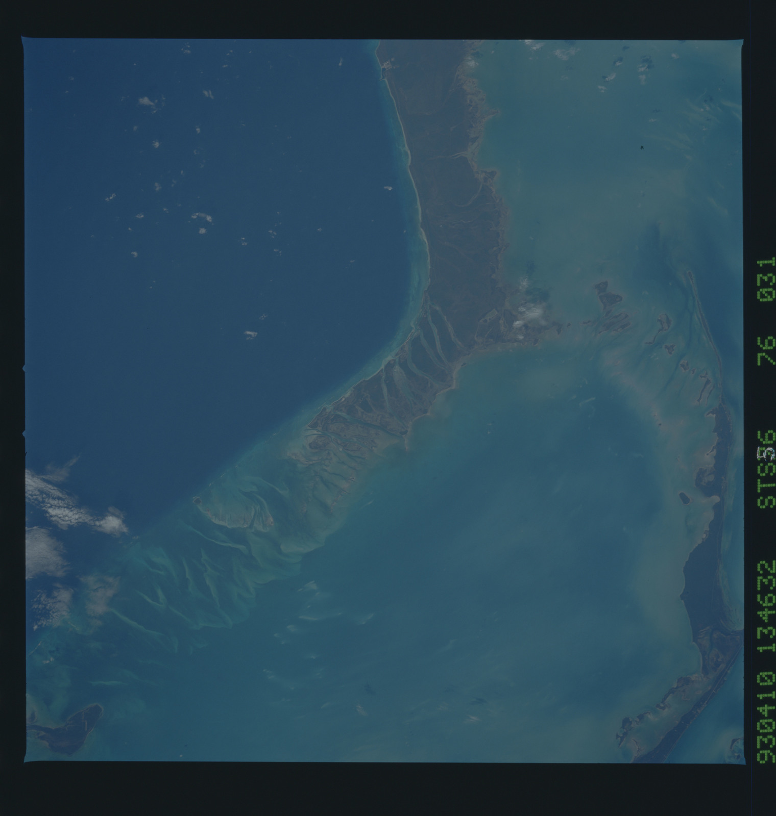 STS056-76-031 - STS-056 - Earth observations taken from Discovery during STS-56 mission