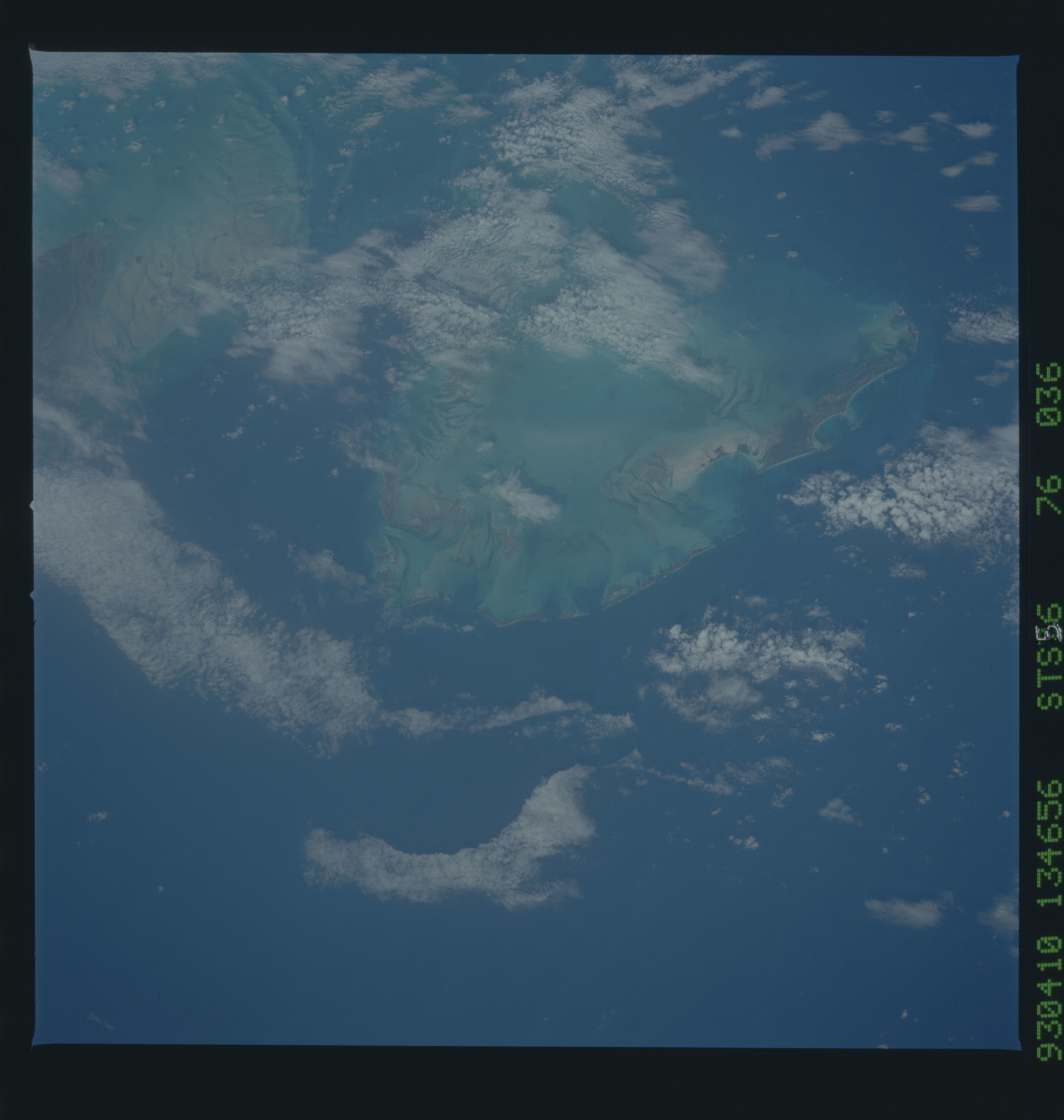 STS056-76-036 - STS-056 - Earth observations taken from Discovery during STS-56 mission