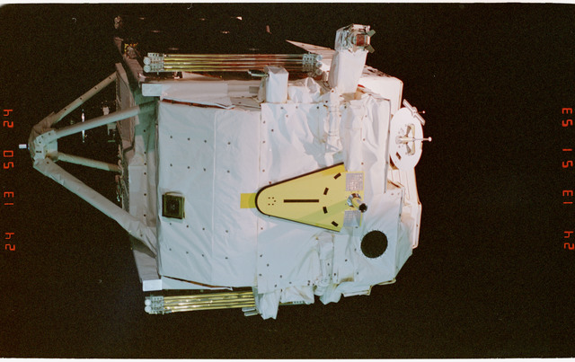 STS057-02-001 - STS-057 - Retrieval of the EUropean REtrievable CArrier EURECA Satellite by RMS