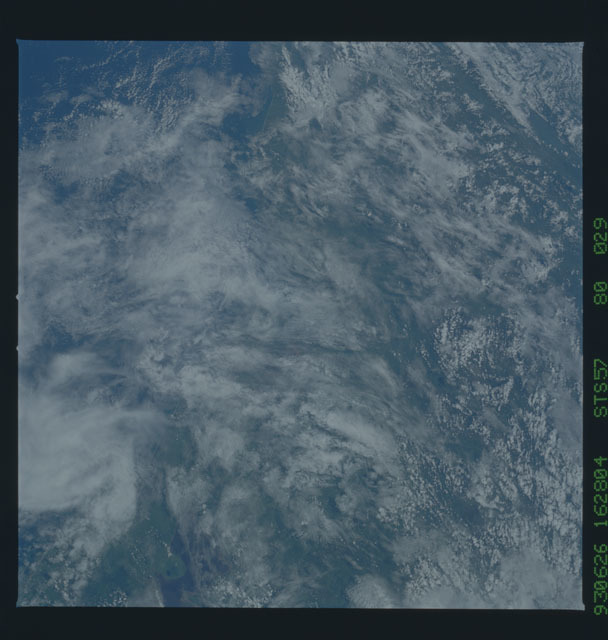 STS057-80-029 - STS-057 - Earth observations during STS-57