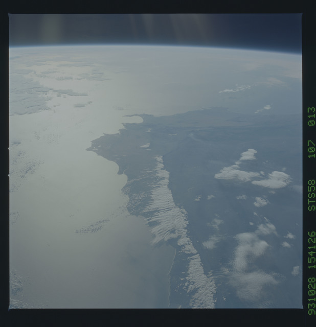 STS058-107-013 - STS-058 - Earth observations during STS-58