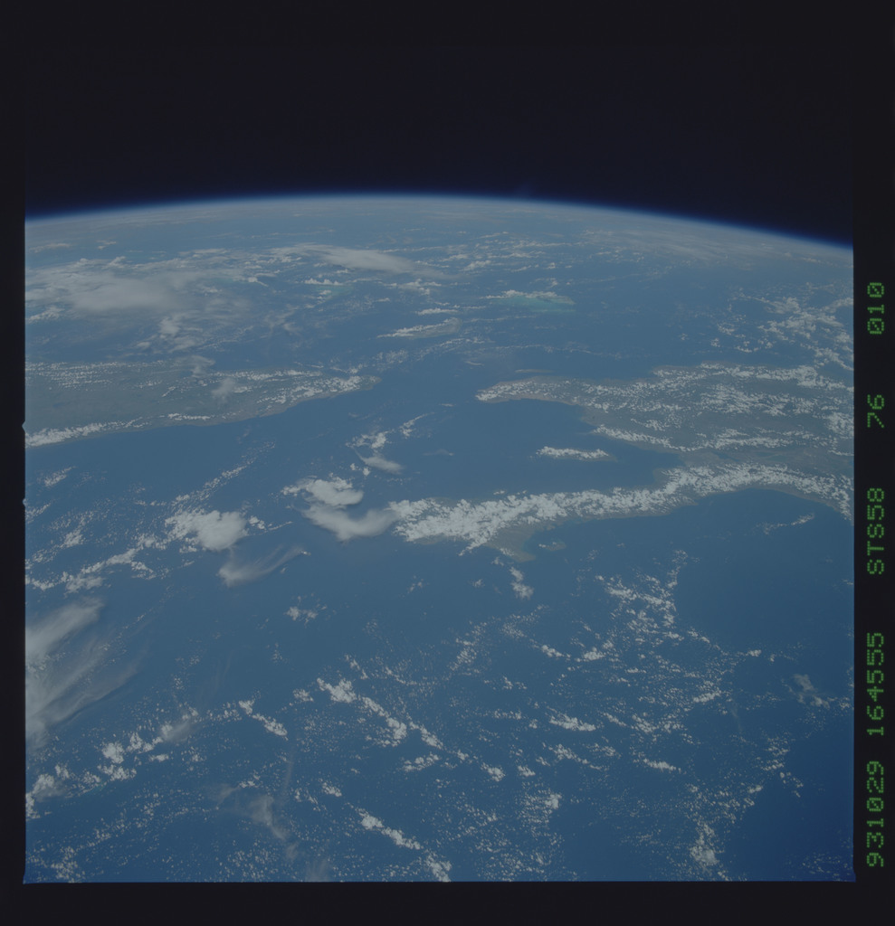 STS058-76-010 - STS-058 - Earth observations during STS-58