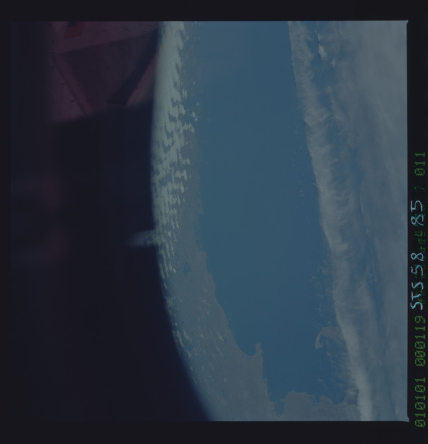 STS058-85-011 - STS-058 - Earth observations during STS-58