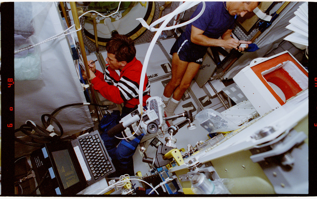 STS060-29-030 - STS-060 - SEF and ECLiPSE - Chang-Diaz and Bolden in Spachab module