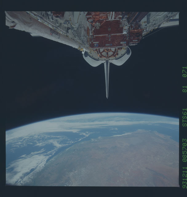 STS061-81-071 - STS-061 - View of STS-61 Endeavour's payload bay
