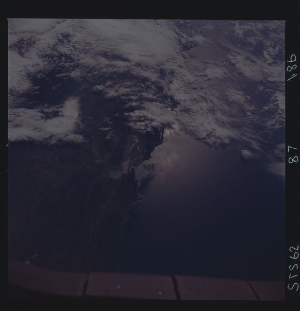 STS062-87-186 - STS-062 - Earth observations from STS-62 flight