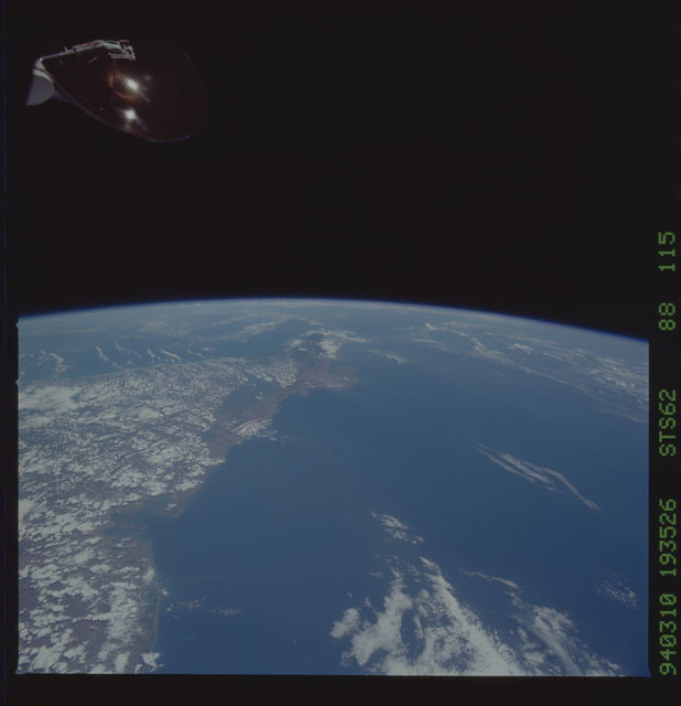 STS062-88-115 - STS-062 - Earth observations from STS-62 flight