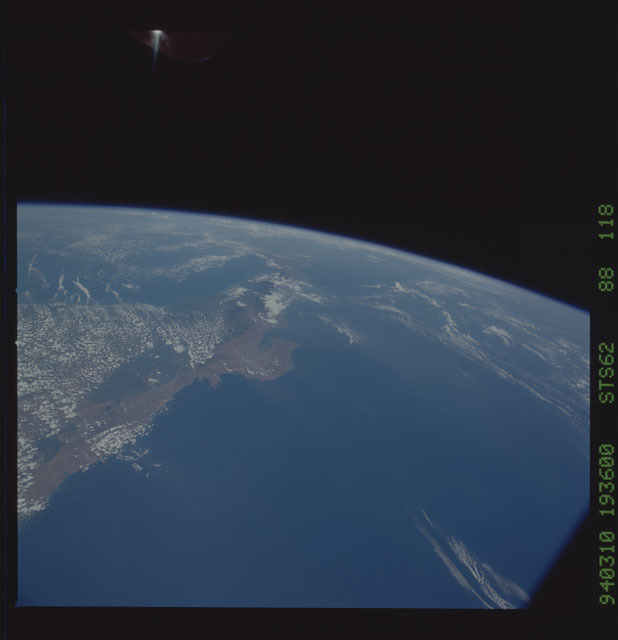STS062-88-118 - STS-062 - Earth observations from STS-62 flight