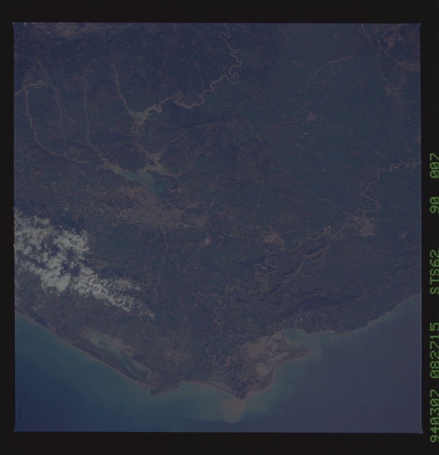 STS062-90-007 - STS-062 - Earth observations from STS-62 flight