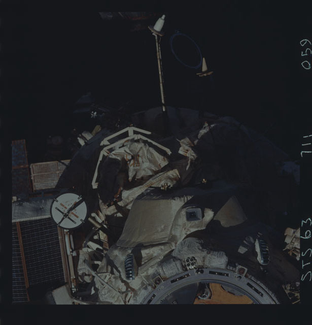 STS063-711-059 - STS-063 - Mir Space Station as viewed from STS-121