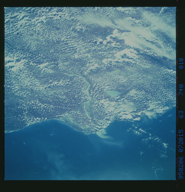 STS063-740-010 - STS-063 - Infrared images of the Earth