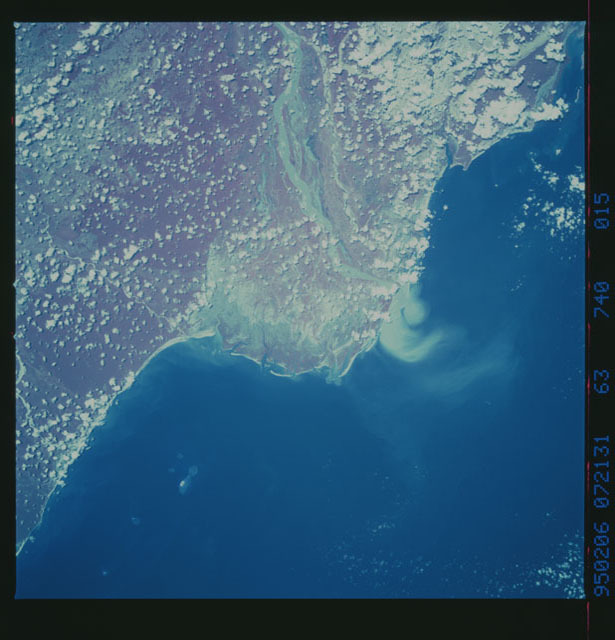 STS063-740-015 - STS-063 - Infrared images of the Earth