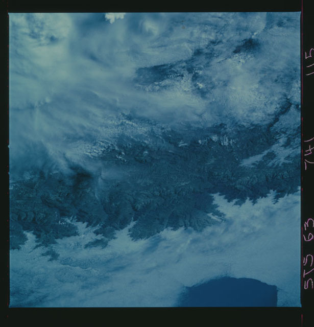 STS063-741-115 - STS-063 - Infrared images of the Earth