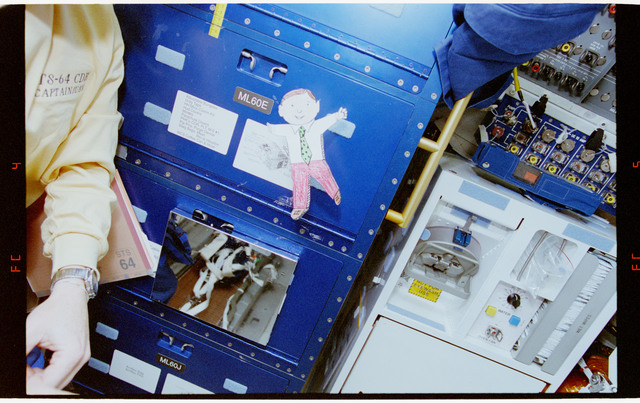 STS064-21-004 - STS-064 - Various views of ``Flat Freddy,`` an educational toy, on STS-64