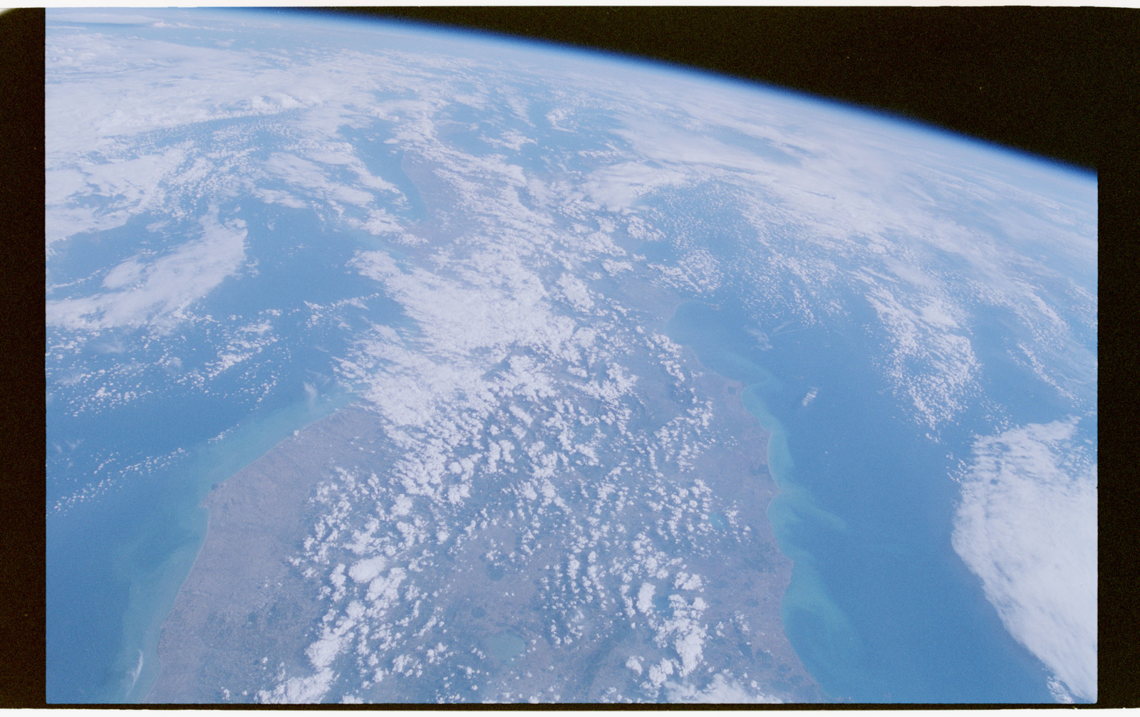 STS064-52-035 - STS-064 - Earth observations during STS-64