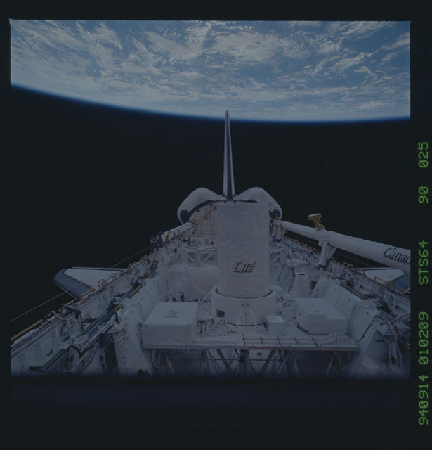 STS064-90-025 - STS-064 - View of Discovery's payload bay during STS-64 mission