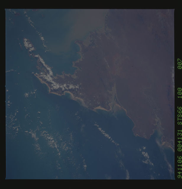 STS066-100-007 - STS-066 - Earth observations during STS-66