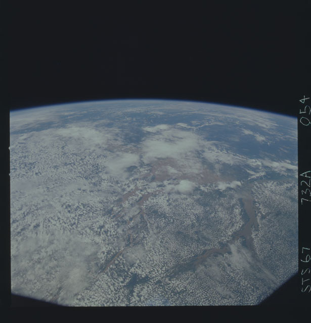 STS067-732A-054 - STS-067 - Earth observations taken from shuttle orbiter Endeavour during STS-67 mission