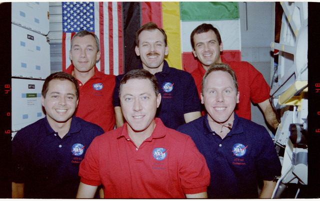 STS068-02-016 - STS-068 - STS-68 crew portraits onboard Endeavour's middeck