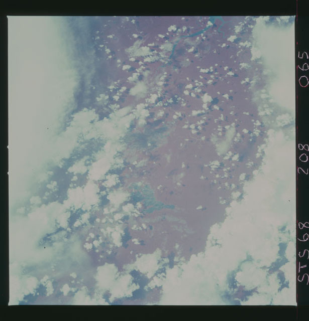 STS068-208-065 - STS-068 - Earth observations during STS-68 mission