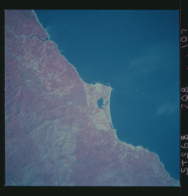STS068-208-107 - STS-068 - Earth observations during STS-68 mission
