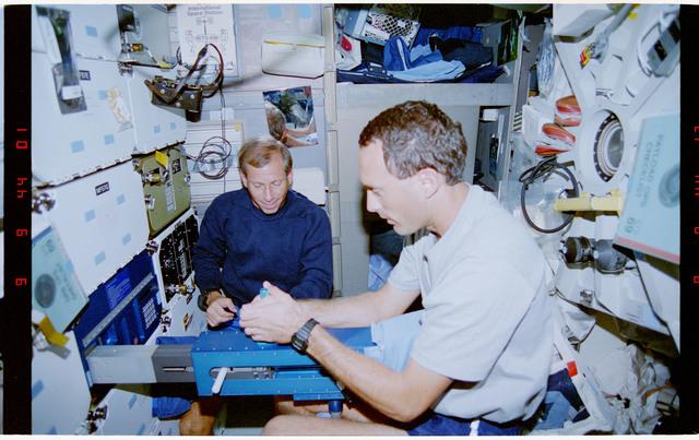 STS069-302-029 - STS-069 - DTO 914 - SLAMMDE