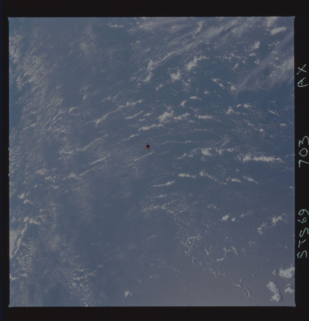STS069-703-000AX - STS-069 - View of the deployment of the SPARTAN 246