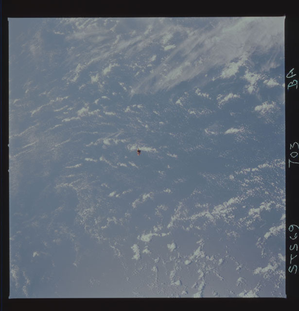 STS069-703-000BA - STS-069 - View of the deployment of the SPARTAN 249
