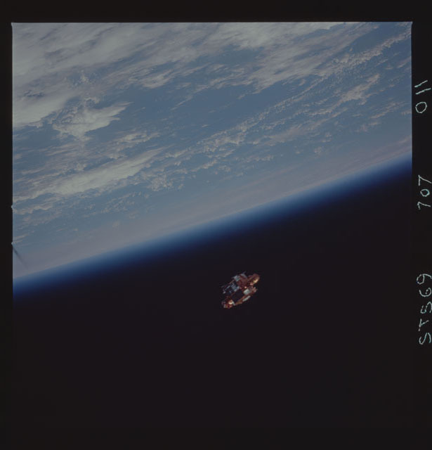 STS069-707-011 - STS-069 - View of SPARTAN 201 during STS-69 mission