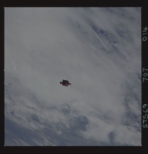 STS069-707-014 - STS-069 - View of SPARTAN 201 during STS-69 mission