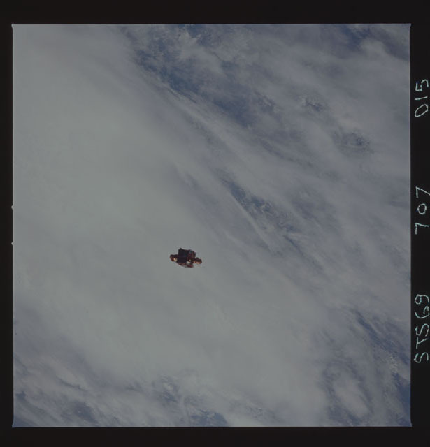 STS069-707-015 - STS-069 - View of SPARTAN 201 during STS-69 mission