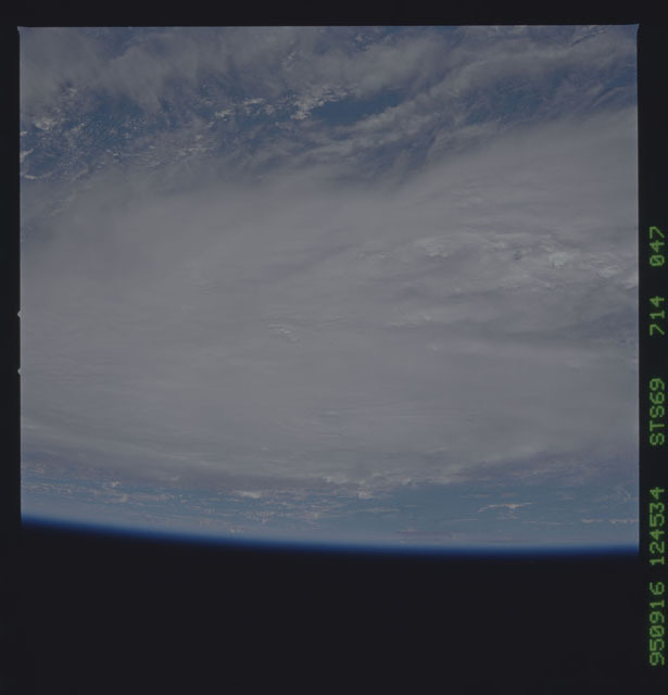 STS069-714-047 - STS-069 - Views of Hurricane Marilyn from STS-69 mission