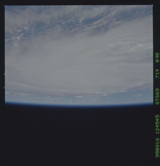 STS069-714-048 - STS-069 - Views of Hurricane Marilyn from STS-69 mission