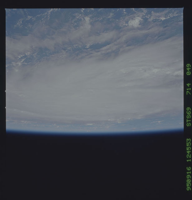 STS069-714-049 - STS-069 - Views of Hurricane Marilyn from STS-69 mission