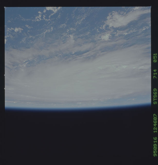 STS069-714-051 - STS-069 - Views of Hurricane Marilyn from STS-69 mission