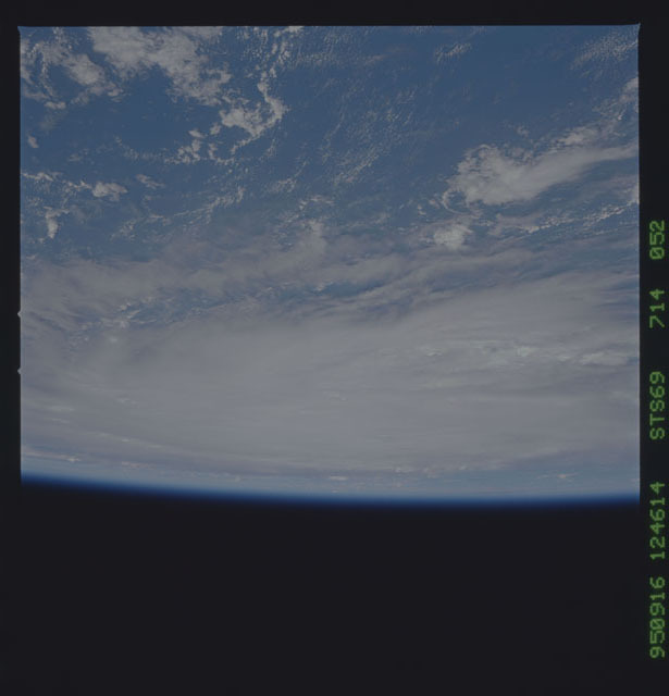STS069-714-052 - STS-069 - Views of Hurricane Marilyn from STS-69 mission