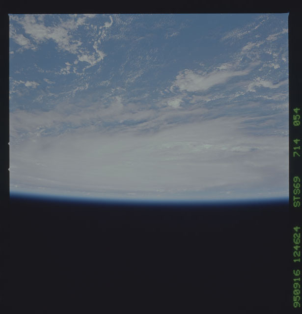 STS069-714-054 - STS-069 - Views of Hurricane Marilyn from STS-69 mission